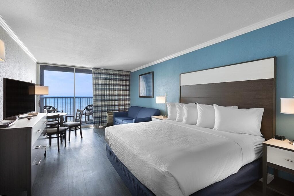 compass-cove-indigo-oceanfront-king-room